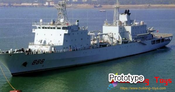 Sluban M38-B0701 906B Supply Ship Review